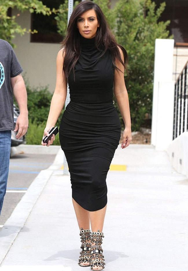 Kim-Kardashian-Trinket-Covered-Sandals-and-Tight-fitting-Dress