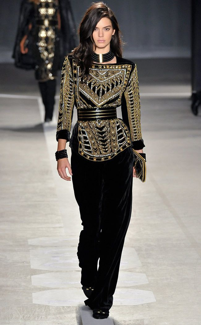 Kendall Jenner Steals the Spotlight at Balmain x H&M Runway