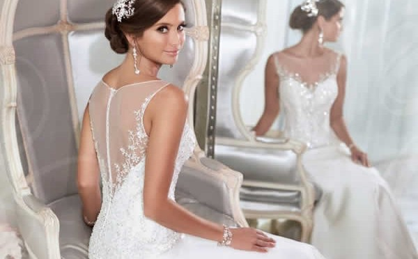 WEDDING DRESSES THAT ARE EVEN MORE GORGEOUS FROM THE BACK