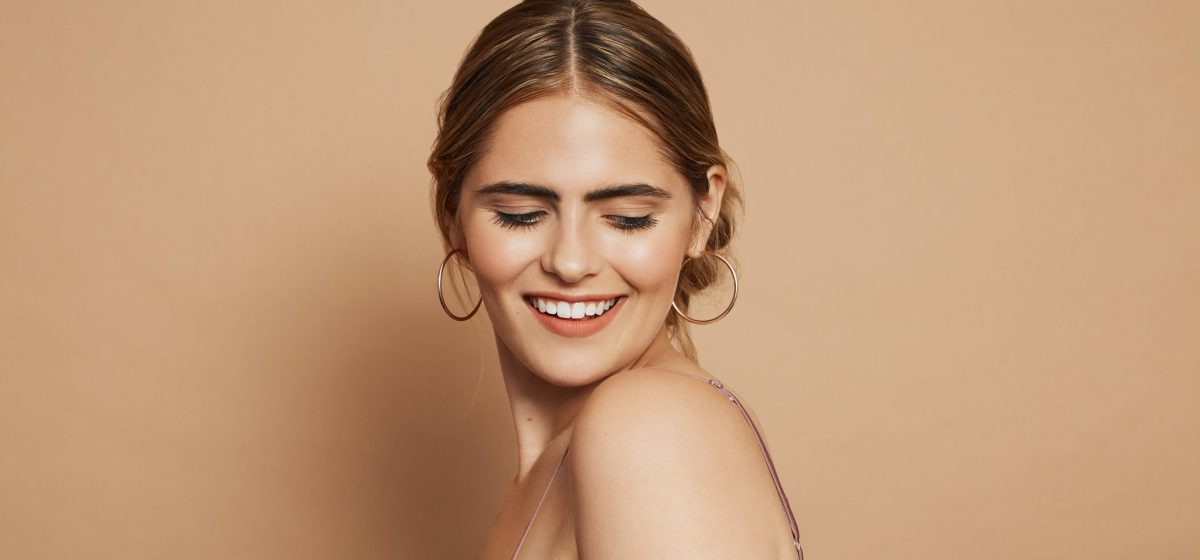 Beauty Tricks You Need to Know to Master the No-Makeup Makeup Look